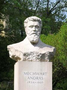 12b- Mechwart szobor